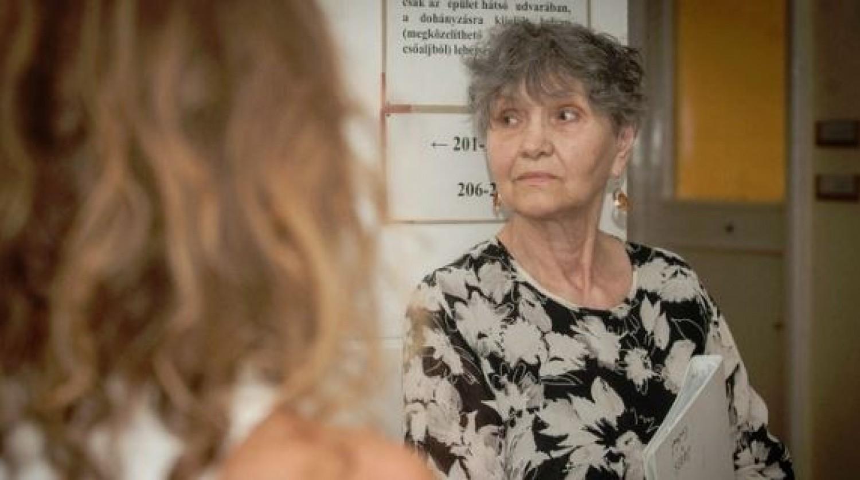 Elkezdődött a végjáték: rendőrök lakoltatják ki Pécsi Ildikó unokáját a színésznő házából