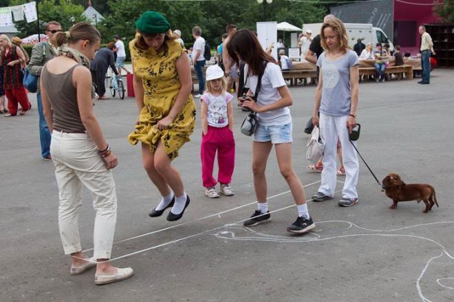 Ezek az orosz lányok megmutatják hogyan használd a gumit - VIDEÓ